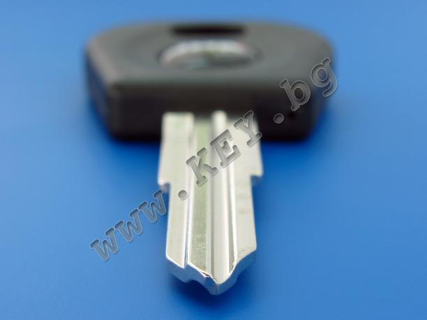 Заготовкa за ключ Деу с място за чип